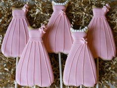bridesmaid dress cookies - pink