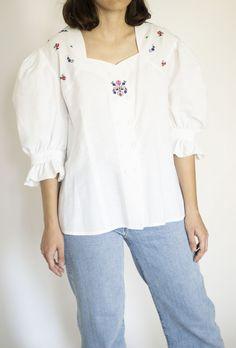 Tunic Tops, Vintage, Women, Fashion, Embroidery, Fashion Styles, Vintage Comics, Fashion Illustrations, Trendy Fashion