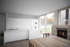 #white #kitchen #design #minimal #interiors #handcrafted #custom | Todeschini Cucine