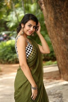 Sasha Singh In Green Saree at Edaina Jaragocchu Movie Launch Indian Designer Saree TOLLYWOOD STARS Photograph HURL.NET.IN | CAREER OPPORTUNITIES IN HINDUSTAN URVARAK & RASAYAN LIMITED #EDUCRATSWEB http://www.hurl.net.in/careers/ educratsweb.com Sarkari Naukri 2019-05-29 2019-06-14