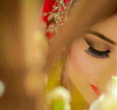 Stylish Girl Images, Stylish Girl Pic, Girl Photography Poses, Bridal Photography, Girls Dp For Whatsapp, Indian Wedding Bride, Muslim Beauty, Stylish Dpz, Lovely Eyes