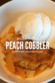 This quick and easy Sugar Cookie Peach Cobbler is the perfect way to celebrate the end of summer!! . #peach #peachcobbler #sugarcookie #cobbler #summer #dessert #sparklesnsprouts