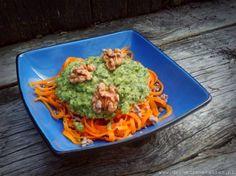 wortelspaghetti met courgettepesto schuin Oersterk Koken! Giveaway en recept wortelpasta met courgettepesto