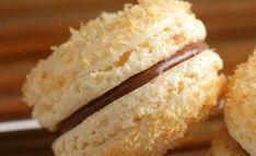 Whoopies de coco y dulce de leche Macaroon Cookies, Cake Cookies, Cupcakes, Macaron Coco, Yummy Cakes, Sin Gluten, Sweet Recipes, Biscotti, Food And Drink