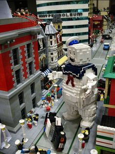 Ghostbusters played out in Legos. What??!!! This is seriously cool