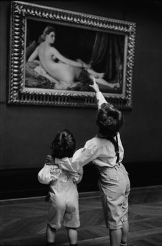 Alécio de Andrade :: Children at Louvre Museum, Paris, 1993 [From The Louvre and its visitors]