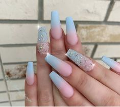 Glitter Nail Art Designs That You Need To Try In Summer - Nail Art Connect - The most beautiful nail models Bright Summer Nails, Summer Acrylic Nails, Blue Acrylic Nails Glitter, Acrylic Nail Salon, Nail Summer, Spring Nails, Summer Fun, Blue Ombre Nails, Sky Blue Nails