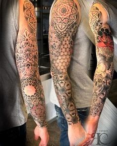 Search inspiration for a Geometric tattoo. Mandala Tattoo Men, Fractal Tattoo, Geometric Sleeve Tattoo, Skull Sleeve Tattoos, Full Sleeve Tattoo Design, Cool Arm Tattoos, Mandala Tattoo Design, Tribal Tattoos, Tattoos For Guys