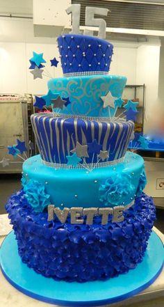 Topsy-turvy 15th birthday cake! | www.partyista.com