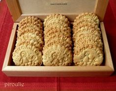 Light cornflour and almond cookies - Pastries and delicacies - -You can find Pastries and more on our website.Light cornflour and almond cookies - Pastries and delicacies - - Biscuit Cake, Biscuit Cookies, No Bake Cookies, Best Peanut Butter Cookies, Almond Cookies, Cinnamon Cookies, Mayonaise Cake, Mayonaise Biscuits, Oatmeal Dessert