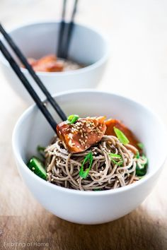 10 Fast and Fresh Lunches... including this Sesame Soba Noodle salad with Smoked Salmon!  | www. feastingathome.com