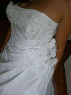 Vestido de noiva adquirido em Paris França