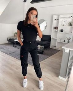 65 casual and cute summer outfits that inspire you Teenager Outfits casual Cute inspire Outfits summer Cute Comfy Outfits, Casual Summer Outfits, Simple Outfits, Spring Outfits, Trendy Outfits, Lazy Outfits, All Black Outfit Casual, Outfits With Black Jeans, Fashionable Outfits