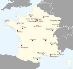 """Guichets d'accueil en France. Les """"guichets uniques"""" sont des dispositifs mis en place lors de la rentrée universitaire afin de faciliter l'installation et l'intégration des étudiants en mobilité. Vous y retrouverez différents organismes et institutions qui y assurent des permanences (Préfecture de Police, CAF, l'OFII,  le CROUS, etc.) ainsi que des équipes d'accueil pour vous accompagner tout au long de vos démarches...."""