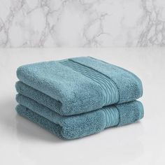 Update your bath with this LOFT by Loftex Innovate Cotton Hand Towel . The hand towel is crafted from natural cotton and recycled fibers with. Hand Towel Sets, Hand Towels, Bath Bench, Christmas Towels, Decorative Towels, Blue Moon, Modern Classic, Washing Clothes, Really Cool Stuff