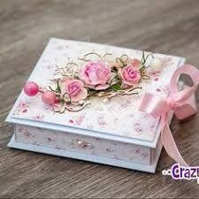 Aprende cómo hacer cajas de regalo y decóralos con papel paso a paso ~ cositasconmesh Decoupage Box, Decoupage Vintage, Clay Crafts, Diy And Crafts, Paper Crafts, Shabby Boxes, Shabby Chic Crafts, Pretty Box, Box Design