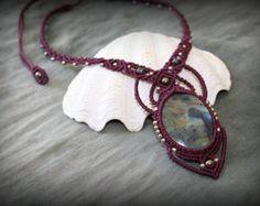 Etsy の star labradorite macrame necklace by MareterraeArt