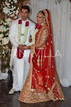 Bipasha Basu and Karan Singh Grover Wedding Photos | PINKVILLA