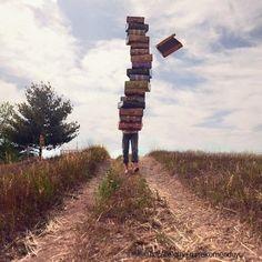 В 21 веке безграмотным считается уже не тот, кто не умеет читать и писать, а тот, кто не умеет учиться, доучиваться и переучиваться  http://elgina.ru/rekomenduyu/