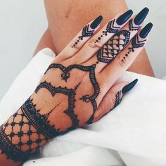 Beautiful henna @fannylyckman
