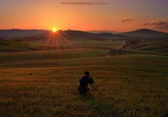 SHOOTING SUNRISE - Val d'Orcia, Tuscany, Italy, 07th Mar 2014