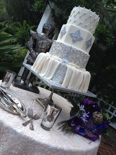 Awesome #Midevil #Wedding #Cake with Scroll Work & Pearls
