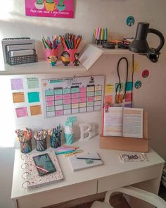 Room Design Bedroom, Room Ideas Bedroom, Home Room Design, Bedroom Decor, Study Room Decor, Cute Room Decor, Study Rooms, Study Desk, Aesthetic Room Decor