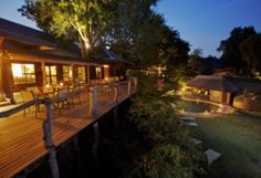 Mala Mala Main Camp offers five star South African safari accommodation in the top private Big Five reserve in South Africa. Nowhere else in Africa will you see as great a diversity of mammal species as frequently. South Africa Wildlife, Wildlife Safari, Game Reserve South Africa, Sand Game, Bon Point, Game Lodge, Private Games, Out Of Africa, Balcony Design