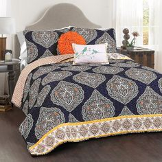 Navy Halsey 5-pc. King Quilt Set ($170) ❤ liked on Polyvore featuring home, bed & bath, bedding, quilts, navy blue pillow shams, navy blue quilt set, king size quilt sets, dark blue bedding and king sham