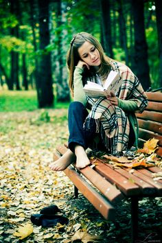 park bench reading in autumn I Love Books, Good Books, Woman Reading, Senior Pictures, Character Inspiration, Photography Poses, Relax, Seasons, In This Moment