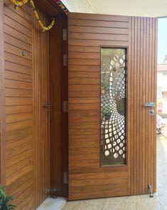 Pooja Room Door Design, Grill Door Design, Wooden Main Door Design, Wooden Doors Interior, Wooden Door Design, Metal Doors Design, Doors Interior Modern, Door Glass Design, Room Door Design