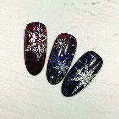 Cute Christmas Nails, Xmas Nails, New Year's Nails, Christmas Nail Art Designs, Holiday Nails, Nail Art Noel, Snowflake Nail Art, Fancy Nails, Cute Nails