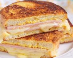 Grilled ham and cheese: nothing to scoff at. But a Croque Monsieur? Baked ham and cheese with velvety béchamel oozing out all over the place: mind-altering. Sandwich Jamon Y Queso, Cheese Sandwich Recipes, Sandwich Ideas, Monte Cristo Sandwich, Grilled Ham And Cheese, Holiday Recipes, Recipes Dinner, Easy Meals, Food And Drink