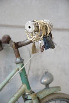 armbandjes zusss mint vintage fiets wall paper
