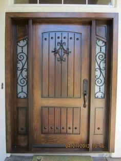 rustic entry door ways Wooden Door Design, Front Door Design, Exterior Front Doors, Entrance Doors, Rustic Doors, Wooden Doors, Rustic Entry, Distressed Doors, Main Door