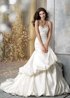 Wedding Dress!! I love it!! :)