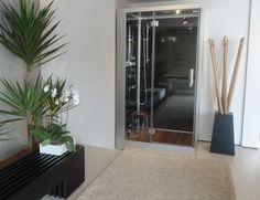 A Cabine de Banho com Sauna EGO da Unique SPA pode ser instalada em qualquer ambiente, desde que no local exista entradas de água quente e fria, energia elétrica e ponta de saída da água. www.uniquespa.com.br
