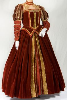 Romeo And Juliet Time Period Clothing For Women