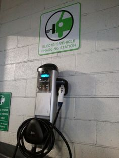 Check out this article by Alumnus Phil Covington on the merging of two Electric Vehicle Charging Community Apps (super awesome Ev Charger, Electric Car Charger, Park Signage, Vehicle Signage, Electric Power, Electric Cars, Electric Vehicle, Unlock Car Door, Used Cars Movie