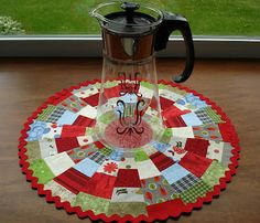 scrappy dresden plate table mat