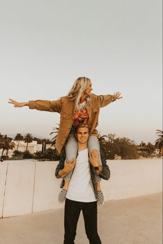 Couples adventure photoshoot rooftop photoshoot outfit ideas for couples photos orange county photographer Rooftop Photoshoot, Couple Photoshoot Poses, Couple Photography Poses, Couple Posing, Couple Shoot, Teenage Couples, Selfies, Adventure Couple, Skateboard