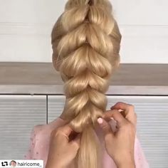 Hairstyles For Long Hair Women Hair Hairstyles Long Women ! frisuren für lange haare frauen Hairstyles For Long Hair Women Hair Hairstyles Long Women ! Cool Braid Hairstyles, Girl Hairstyles, Wedding Hairstyles, Style Hairstyle, Hairstyle For Curly Hair, Hairstyle Ideas, Easy Prom Hairstyles, Hairstyle Braid, Fashion Hairstyles
