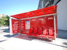 Mobiliario Urbano Espectacular | SP Integrales Acción especial en parada de bus para publicidad de GolT