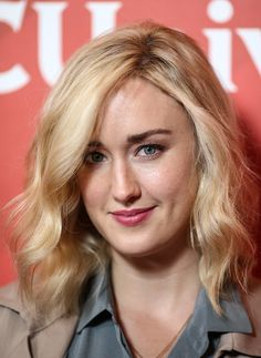 Ashley Johnson Photos - Actress Ashley Johnson arrives at the NBCUniversal 2015 Summer Press Tour at the Beverly Hilton on August 2015 in Beverly Hills, California. Ashley Johnson Blindspot, Jaimie Alexander, Prettiest Actresses, Press Tour, Hair Affair, Sexy Shirts, Woman Face, Cut And Color, Actors & Actresses