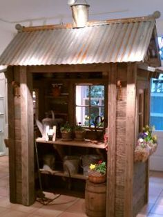 love these little sheds... Bob Bowling Rustics...who is also a Pinner, lives on Whidbey Island in WA, and will be at the massive Seattle Garden show this weekend