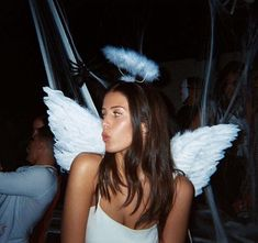 angel is disguise 📸: unknown Disfarces Halloween, Angel Halloween Costumes, Halloween Inspo, Halloween Outfits, Cute Angel Costume, Angel Aesthetic, Aesthetic Girl, Helloween Party, Fantasias Halloween
