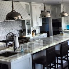 Love the counter and backsplash