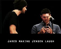 I love when Jensen laughs and his head goes back and it's like this big full kinda belly laugh ? also Jared will always be the funniest man in the room Supernatural Fans, Castiel, Supernatural Wallpaper, Sam E Dean Winchester, Winchester Brothers, Sam Dean, Jared And Jensen, Jensen Ackles Gif, Film Serie