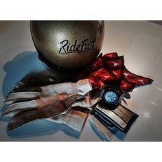 #RiccardoPozzoli Riccardo Pozzoli: Stuff from the day. #stuff #menswear @dmdhelmet @tudorwatch @deusmilano @ferruccimilano @ralphlauren #gear #helmet #watch #gloves #bandana #selectedbyrp