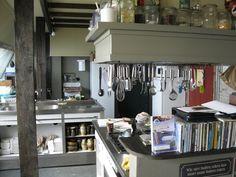Kitchen of Logement Doosje                En hier komt al het overheerlijke eten vandaan